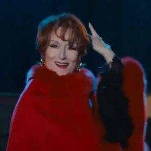 Meryl-Streep-The-Prom-Dee-Dee-Allen-Fur-Cape-Coat